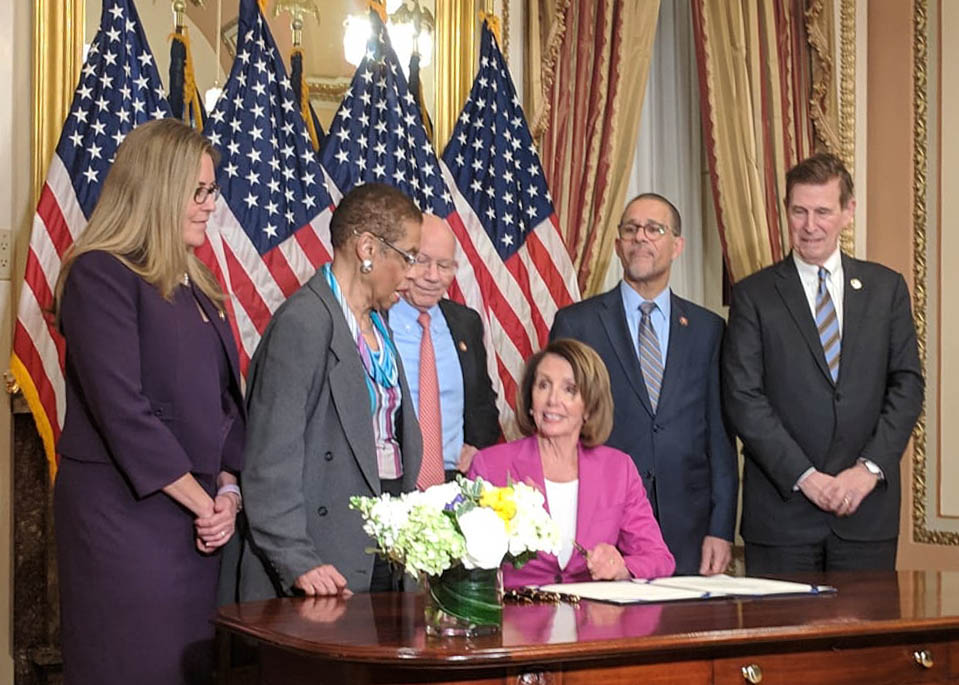 On January 23, 2019, Congresswoman Jennifer Wexton signed a letter to House Speaker Nancy Pelosi, urging her to engage in negotiations on border security once the federal shutdown ended